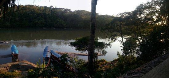 Cotococha Amazon Lodge: Amanecer desde el balcón de la habitación