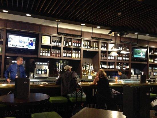 Le Grand Comptoir: The bar area