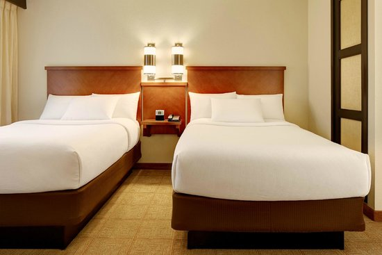 Hyatt Place Greenville: Roomy Rooms