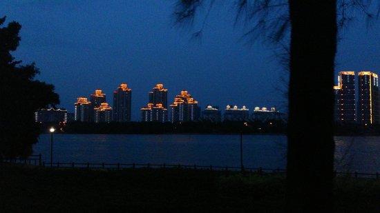 the Minjiang River: река вечером