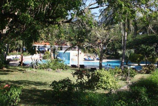 Diani Sea Resort: piscine détente