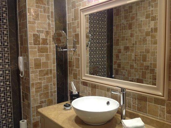 Divan suites batumi updated 2017 hotel reviews price for Divan suites batumi