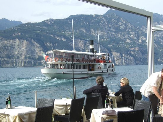 Ristorante Pizzeria Italia Da Nikolas: Ferry boat