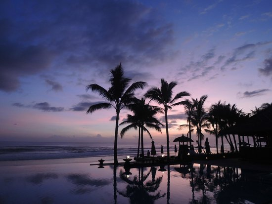 The Legian Bali: The Legian Poolside