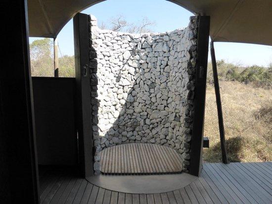 andBeyond Ngala Tented Camp : douche
