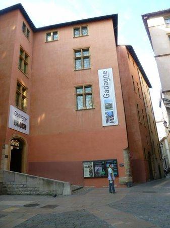 Musee d'Histoire de Lyon: Musée Gadagne - son entrée