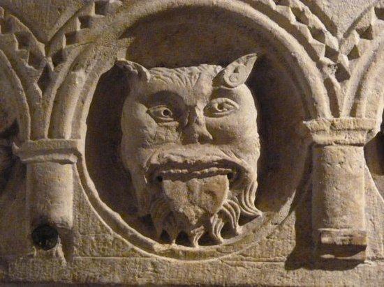 Musee d'Histoire de Lyon: Musée Gadagne - sculpture