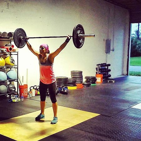 Oakland Park, FL: Coach Gina doing snatches