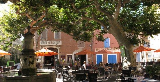 Cafe du centre villedieu photo de cafe du centre for Piscine de villedieu