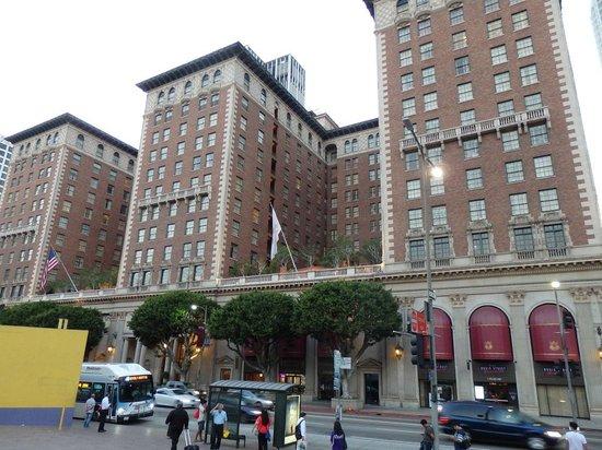 Millennium Biltmore Hotel Los Angeles ホテル外観