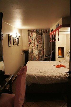 Castex Hotel: 402 room