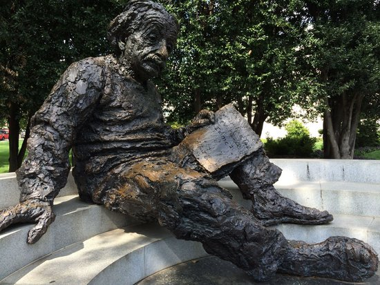 Albert Einstein Memorial: académie des sciences