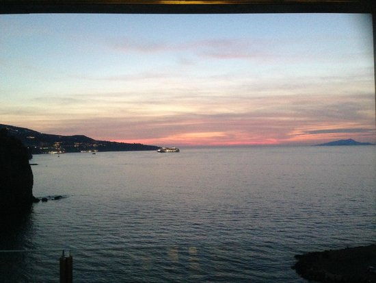 Laqua Charme & Boutique: Gorgeous sunset views from your room nightly