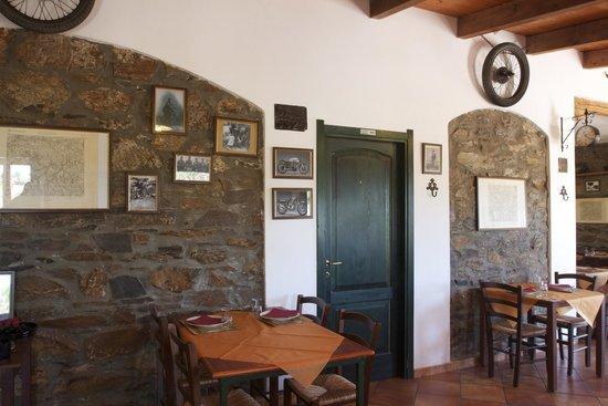 Villasalto, Italia: foto alle pareti