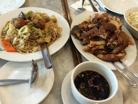 The Aristocrat : Fried Pata and Pancit Canton