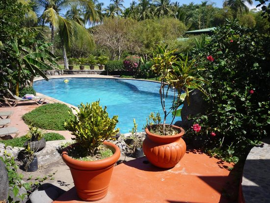 Mar de Jade Retreats Wellness Vacation: One of the pools