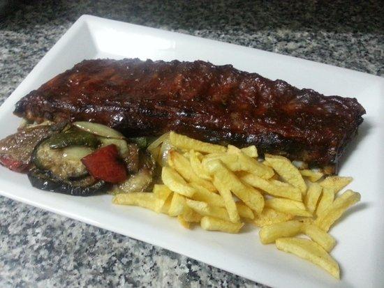 Nueva Carteya, España: Costilleja de Cerdo con Salsa al Horno
