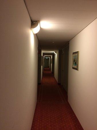 Noventa Hotel: Corridoio camere