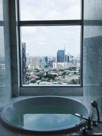 Bangkok Marriott Hotel Sukhumvit: Bathroom With A View