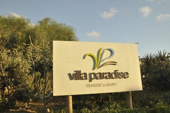 Villa Paradise: Sign