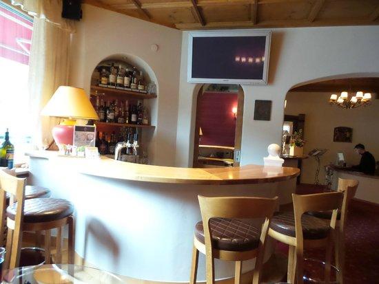 Hotel Arlberg Stuben: The hotel bar - adorable!
