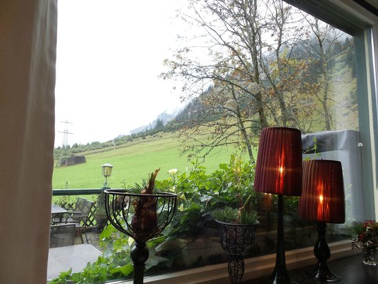 Hotel Arlberg Stuben: The view from the dining room