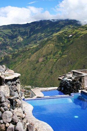 Luna Runtun, Adventure SPA: Las piscinas