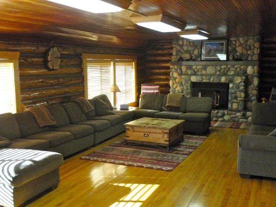 Cabins West Lodging