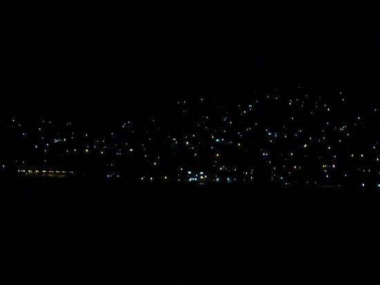 Playa Las Gatas: Zihuatanejo at night from Las Gatas Beach