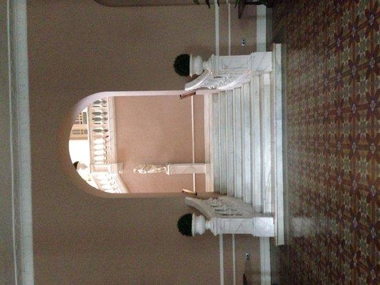Balneario Termas Pallares - Hotel Parque: Escaleras entrada comedor