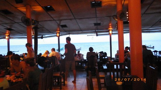 Sairee Cottage Resort : Sairee Cottage Restaurant on the Beach
