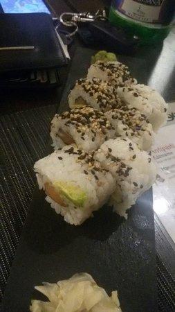 Ami Japanese Bar & Restaurant: Uramaki al salmone...SPECIALI