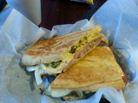 Smoky Mountain Cheesecake Cafe : rj spicy cuban