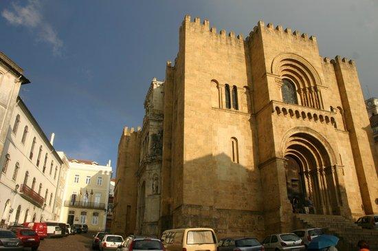 Restaurante O Trovador : O Trovador and the Old Cathedral