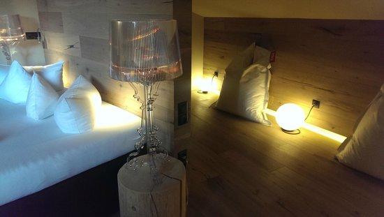 Kinderhotel Almhof: stilvolles Zimmer