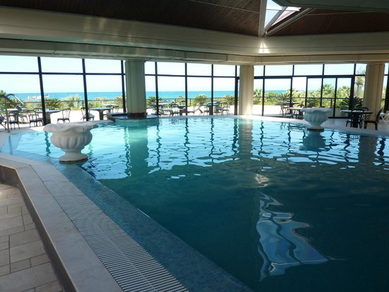 Fiesta Hotel Garden Beach: piscine couverte
