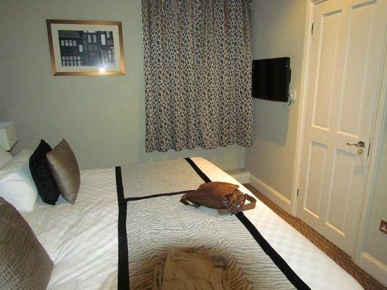 Bull's Head Hotel : Bedroom (Super King size) and en-suite