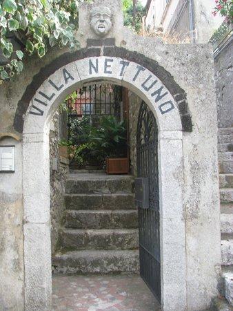 Villa Nettuno: Mooie entree