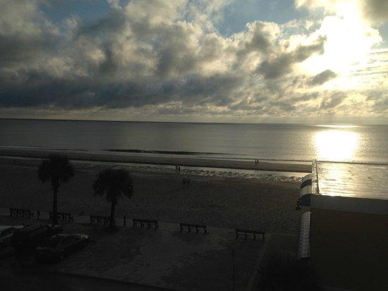 Seaside Amelia Inn: Taken from our hotel room balcony