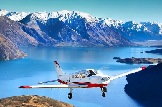 Canterbury Aero Club: Piper Warrior, Lake Coleridge