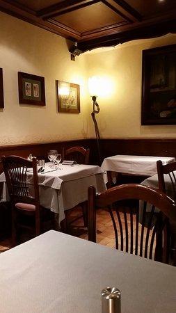 Hotel-Restaurant A l'Etoile - Logis: Réstaurant