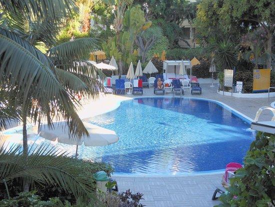 H10 Tenerife Playa: One of the pools