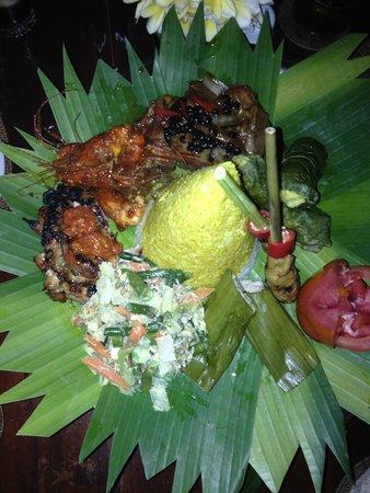 Tirta Ayu Hotel & Restaurant: Abendessen auf Vorbestellung