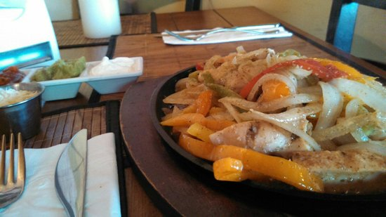 Greenhouse Cafe Dorado: Sizzling Hot!