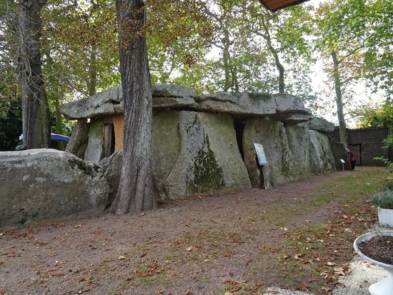 le dolmen de bagneux saumur all you need to know before you go with photos tripadvisor. Black Bedroom Furniture Sets. Home Design Ideas