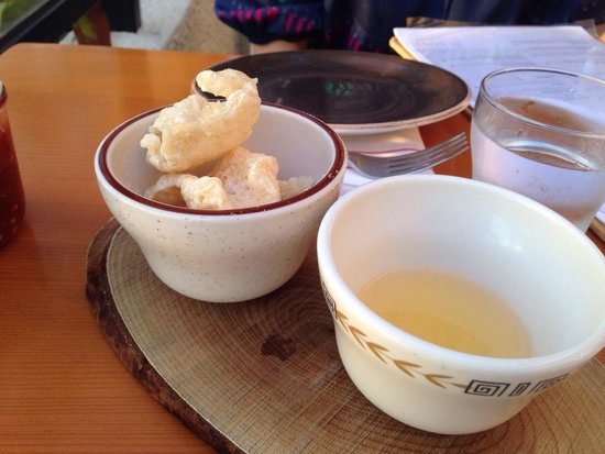 Migrant Maui: Complimentary pork rinds and chili water