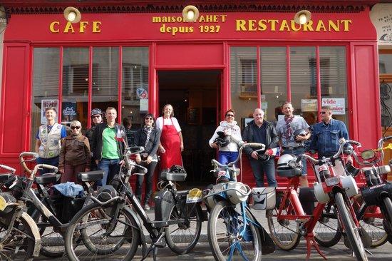 Cafe du Commerce : Devanture de gala