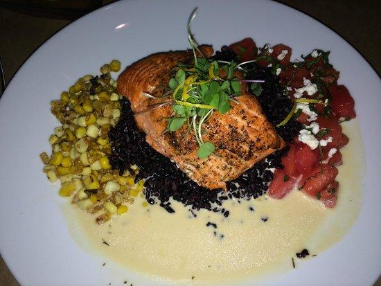 River's End Restaurant: Southwest salmon