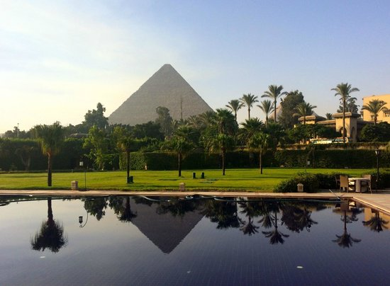 Emad Abu Hadeda - Private Day Tours : Giza Pyramids from Mena House Reflection Pool
