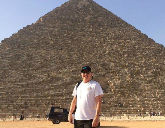 Emad Abu Hadeda - Private Day Tours : Me at the Great Pyramid
